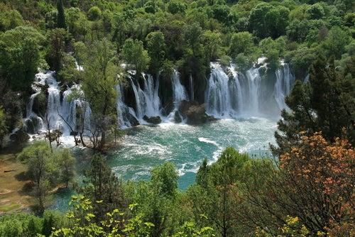 Las cataratas de Kravice: un maravilloso tesoro escondido