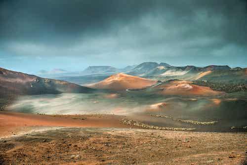 Timanfaya: un impresionante recorrido entre volcanes