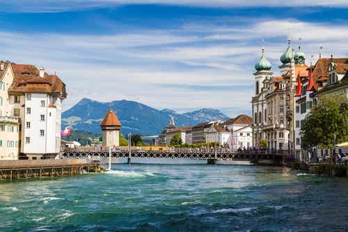 La encantadora ciudad de Lucerna en Suiza