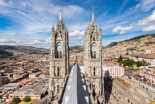 Basílica del Voto Nacional en Quito
