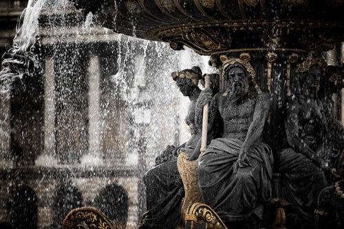 Detalle de la fuente de la plaza de la Concordia