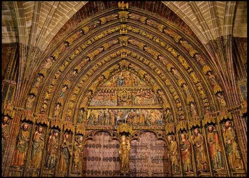 Pórtico de la iglesia de Santa María de los Reyes de Laguardia