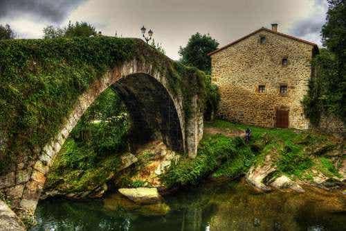 Liérganes en Cantabria y su bonita leyenda del hombre pez