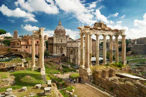 El Foro Romano en la capital italiana, un viaje al pasado