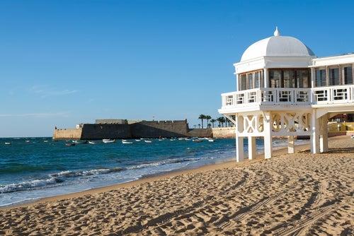 La Caleta en Cádiz, mucho más que una playa urbana