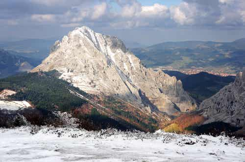 La bella Durango y el Parque Natural de Urkiola en Vizcaya