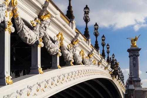 Decoración del puente Alejandro III