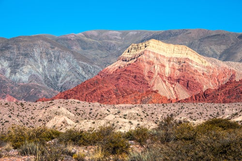 La magia del Cerro de los Siete Colores en Argentina