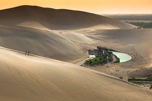 Oasis Yueyaquan en China, un regalo de la naturaleza