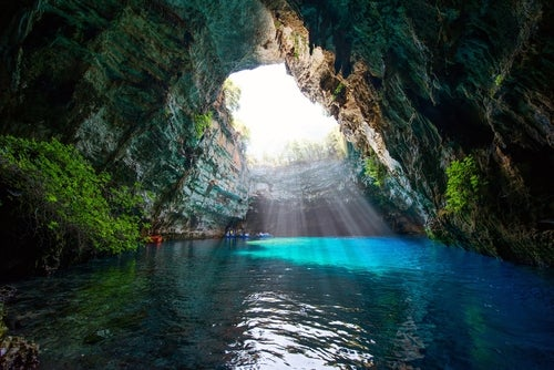 Lago Melissani, agua cristalina en Grecia