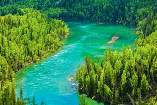 Lago Kanas en Sinkiang