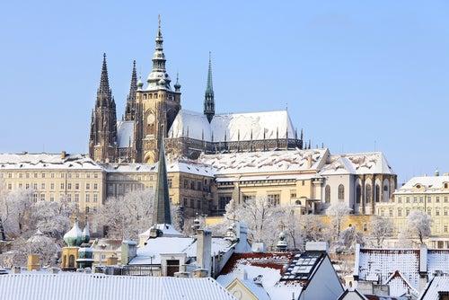 Castillo de Praga en invierno