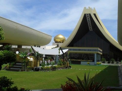La inmensidad del Palacio de Nurul Iman en Brunei