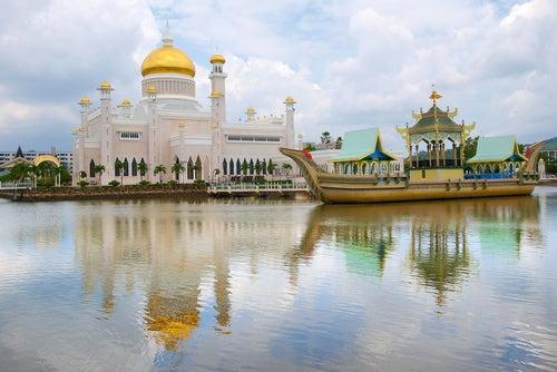 Mezquita Sultan Omar Ali Saifuddin en Brunei
