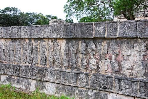 Tzompantli en Chichén Itzá