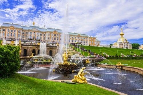 El Palacio Peterhof, una belleza rusa