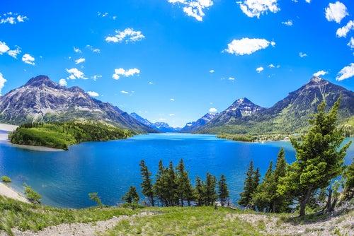 Parque nacional Waterton Lakes en Canadá