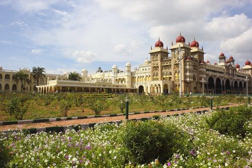 Jardines del palacio de Mysore