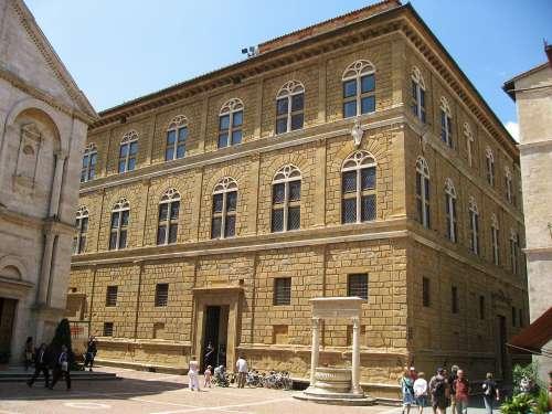 Palazzo Picolomini en Siena