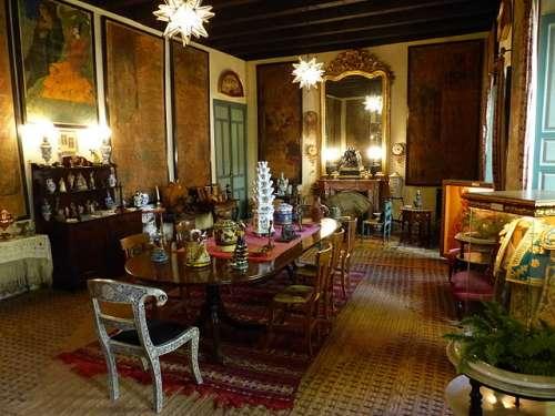 Salón de los Carteles del Palacio de Las Dueñas