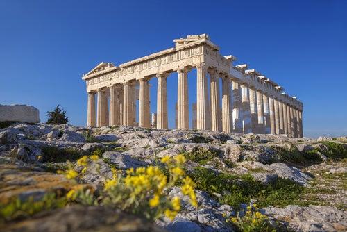 La Acrópolis, una de las cosas que ver en Atenas
