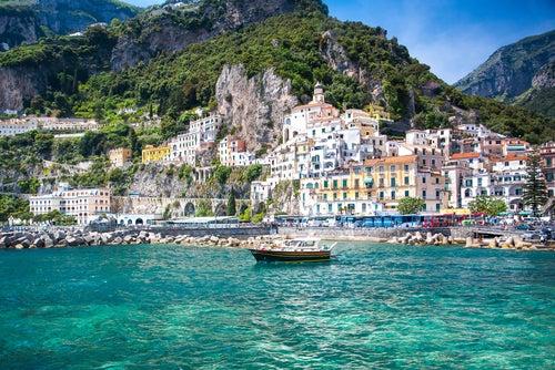 La costa Amalfitana en coche: descubre lo mejor de Italia