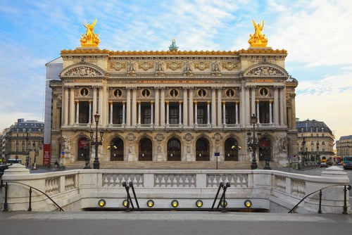 Fachada de la Ópera Garnier de París