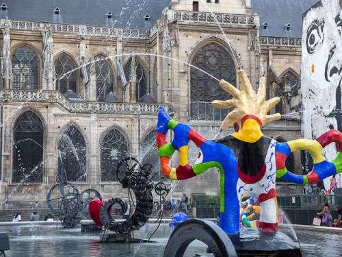 Fuente Stravinsky en París