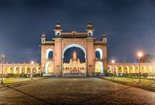Noche en el palacio de Mysore