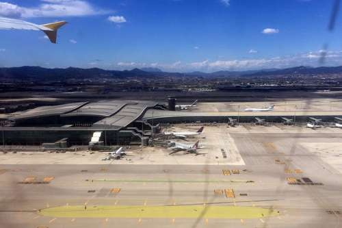 Barcelona tiene el aeropuerto más barato de España