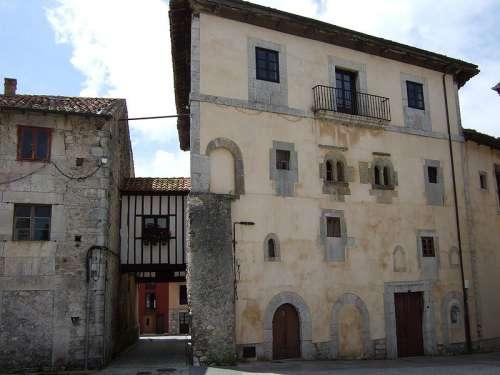 Palacio de Gastañaga en Llanes