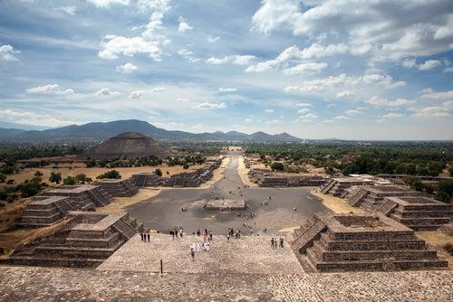 Calzada de los Muertos en Teotihuacan