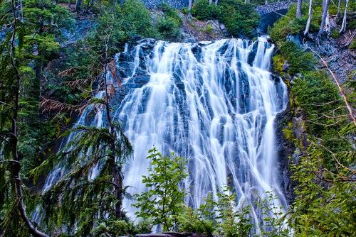 Narada Falls en río Paraíso