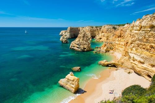 Portugal región a región, Playa Marinha en Algarve