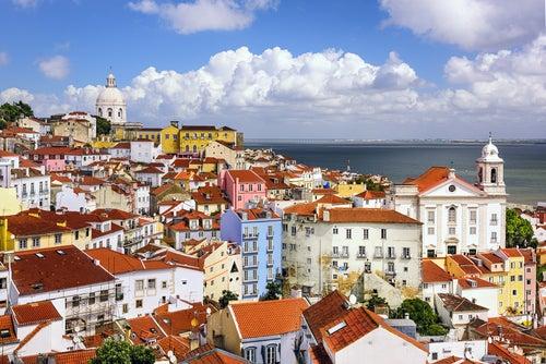 Un paseo por Alfama, el barrio más antiguo de Lisboa