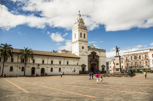 Plaza de Santo Domingo en Quito