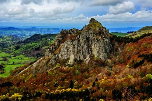 Recorremos los increíbles paisajes de Auvernia, en Francia