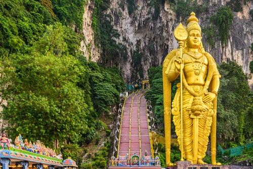 Las cuevas de Batu en Malasia, un rincón místico