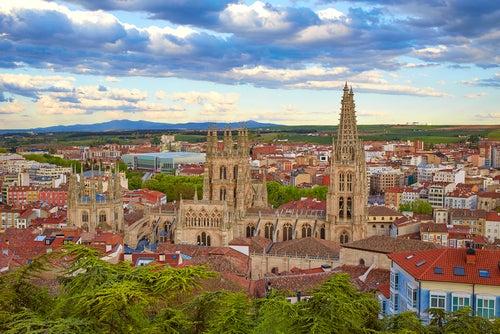 Burgos: un paseo por su historia y sus rincones más bellos