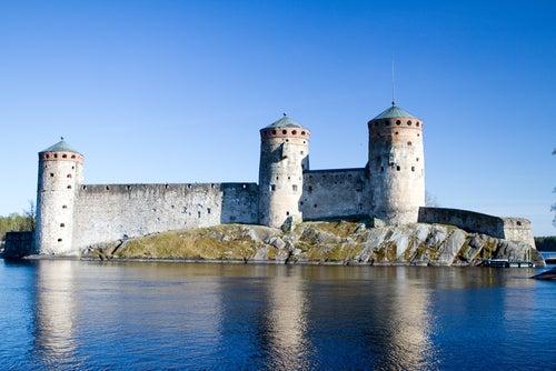 Castillo de Olavinia en Finlandia