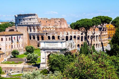 Coliseo y Foro romanos
