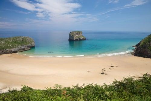 Asturias tiene playas maravillosas ¿Lo sabías?