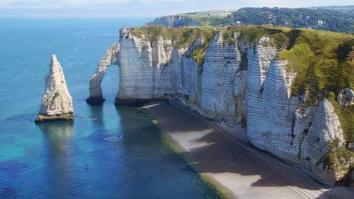 Étretat y la Costa de Albatre en Francia, belleza sobrecogedora