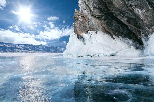El lago Baikal en Rusia, un paisaje de otro planeta