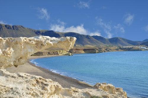 Playa de Los Escullos en el Cabo de Gata