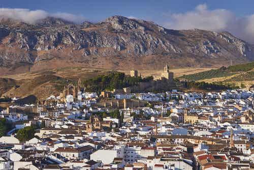 Antequera, una joya histórica y pasiajística en Málaga
