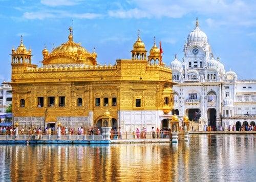 El Templo Dorado de Amritsar, una joya en la India