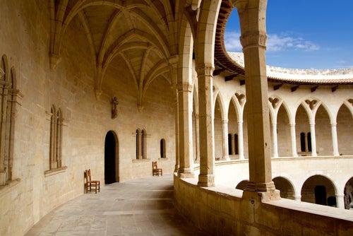 Claustro del castillo de Bellver