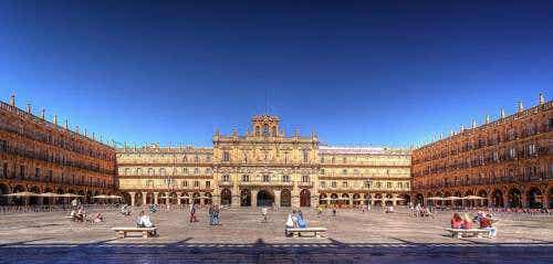 La monumental Plaza Mayor de Salamanca