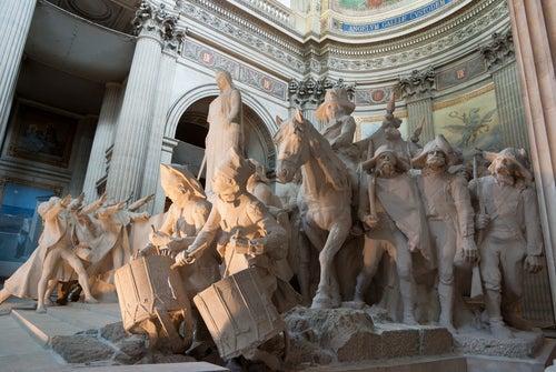 Estatuas en el Panteón de París